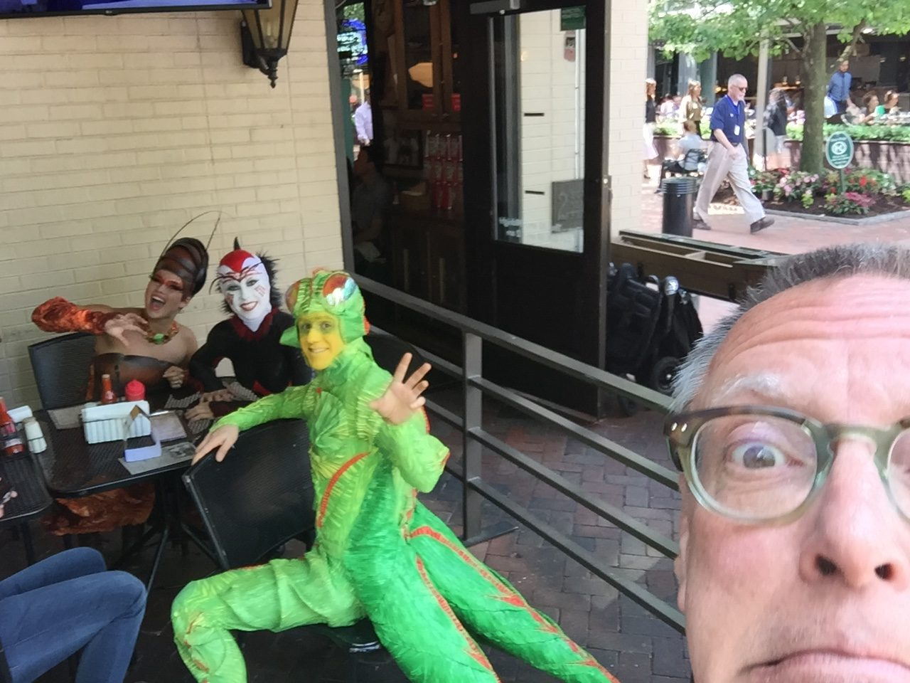 Yakkin' With YaJagoff, At Primanti's With Cirque du Soleil